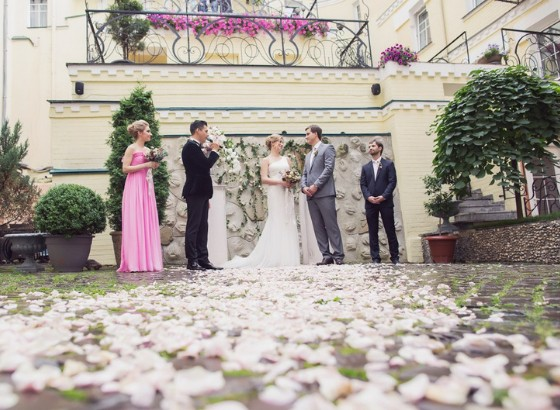 Внутренний дворик бутик-отеля Воздвиженский для проведения свадебных церемоний